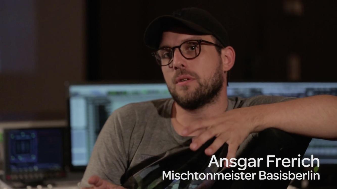 Ansgar Frerich von der BASISberlin erklärt die Filmtonmischung