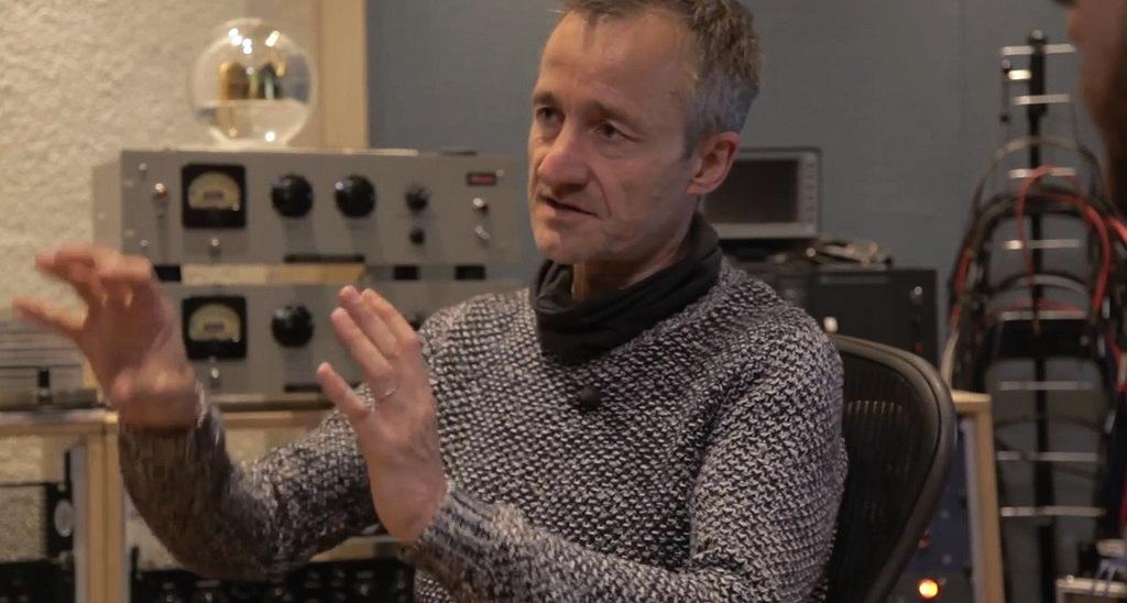Ralf Mayer an seinem Arbeitsplatz im Tuca-Studio